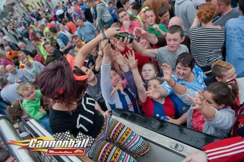 big crowds family day supercars