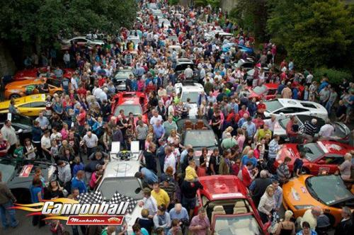 huge crowds supercars