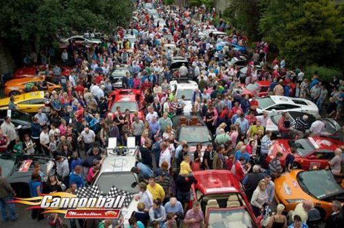 huge crowds supercars