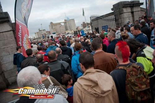 massive crowds supercar show