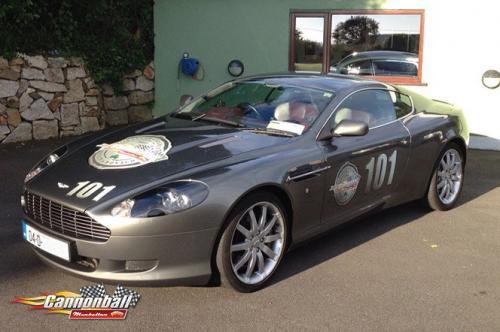 B Aston Martin DB9