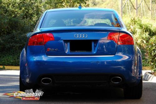 B Audi RS4
