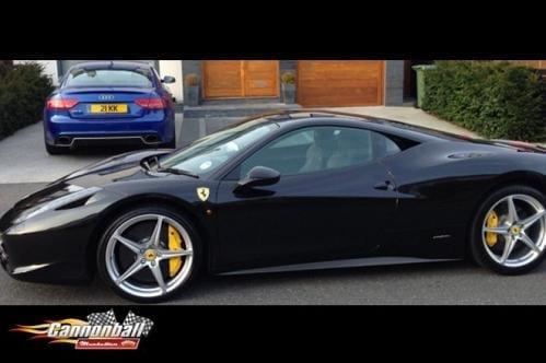 B Ferrari 458 Italia